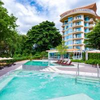 Centara Sonrisa Residences & Suites Sriracha SHA Certified, hotel in Si Racha