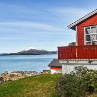 Holiday home Sekken, hotell i Skogvik