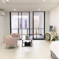 406 Studio Apartment