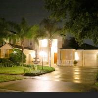 Orlando Centrally Located Luxury Home with Pool!, hotel in Orlando