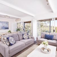 Bright and Spacious Family Home With Leafy Deck, hotel em Frenchs Forest