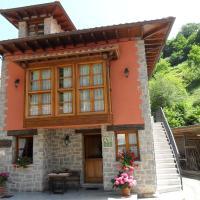 Apartamentos Rurales Los Villares, hotel in Colunga