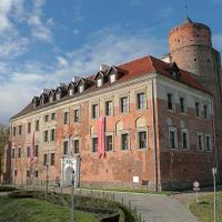 Zamek Uniejów, hotel in Uniejow