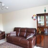 Spacious 3BR apartment great links to city! + LIFT