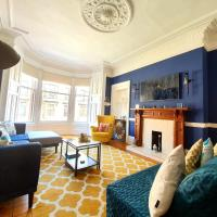 Unwind At A Tranquil, Quirky Flat in West End