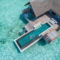 Four Seasons Resort Maldives at Landaa Giraavaru, hotel in Baa Atoll