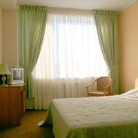 Хинотель, отель в Артеме
