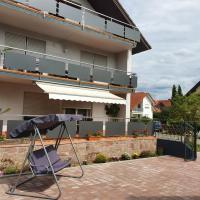 SUNSHINE Apartments, hotel in Ringsheim