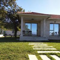 Casa Nueva Playa Areabrava Hio, hotel en Hío