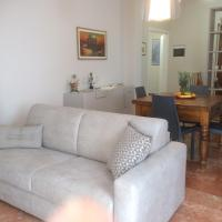 Lucca Luxury Apartment, 2 Bedr, 3 Bathr, Parking, 6 people
