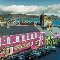 Mc Kevitts Village Hotel, hotel in Carlingford