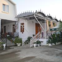 U Aleny Guesthouse, hotel in Alakhadzi