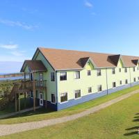 Auberge la Salicorne et Escapades - Adventure Resort, hotel em Grande-Entrée