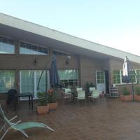 KIRA´S ROOMS, hotel in Otura