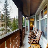 Eagle Springs East 207: Resting Moose Suite