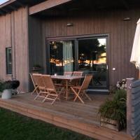 Superfint boende med havsutsikt, Tofta Strand, hotell i Visby