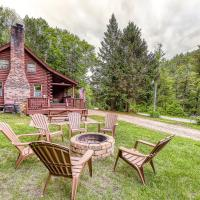 Irresistible Schroon River Front Log Cabin, hotel in Chestertown
