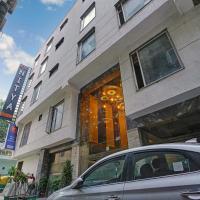 "Hotel Nitya Maharani "" Couple Friendly """