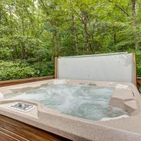 Lazy Bear Den - 2 Bed 1 Bath Vacation home in Blue Ridge, hotel in Blue Ridge