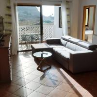 Apartamento amplio y tranquilo con vistas, hotel en Los Realejos