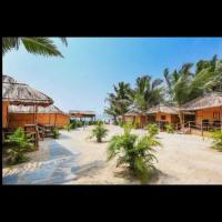 Blue Corner Beach Huts & Restaurant, hotel in Benaulim