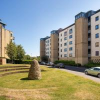Hawkhill 8 - Modern Edinburgh Apartment with Secure Parking