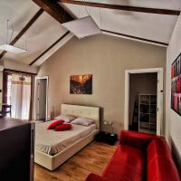 Regis B&B Suite Nebbiolo centro storico, hotell i Chivasso