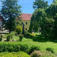 Sportcentrum Měděnec, hotel in Měděnec