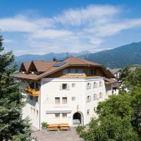 Gasthof Stern, hotel en Funes