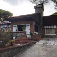 Chalet Los Pinos de Valverde del Camino, hotel en Valverde del Camino