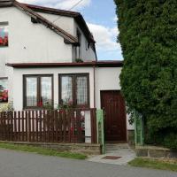 Dvougenerační dům se zahradou, hotel v destinaci Vimperk