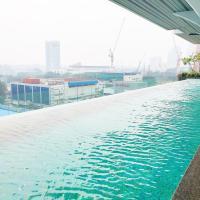 5-Star Apartment + Infinity Pool, 4 pax, 1 min to Jaya One