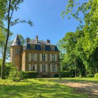 Private Castle with Park, hotel in La Moncelle