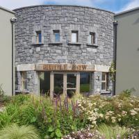 Fiddle + Bow Hotel, hotel in Doolin