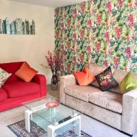 Warm & Cosy Birch Close House with Free Parking & Sleeps 8