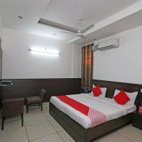 OYO 22677 Hotel Mehfil, hotel in Rājpura