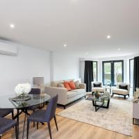 The Carlyle - Stunning Serviced Apartments