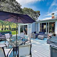 """New Listing! """"The Fitz Inn"""" Beach Retreat Home"""
