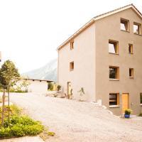 Nangijala Guest House, hotel in Disentis