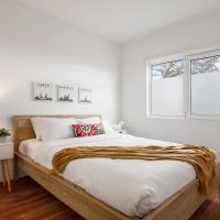 Heart of Highett Apartment by Ready Set Host, hotel em Highett