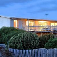 SeaWatch-Sea Views, hotel in Middleton