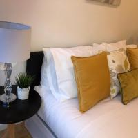 LUXURY SERVICED APARTMENT LONDON CANARY WHARF 1 BED and 1 SOFA BED