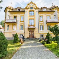 Hotel Bella, hotel in Jelenia Góra