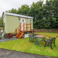 Shepherds Hut - The Hurdle, hotel in Milford Haven
