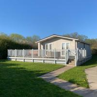 Lodge 29 with Hot Tub and Sauna - R and R Holidays Ltd