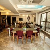 Lion Park Suites & Residence Hotel, hotel in Aydın