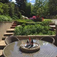 Jolie maison dans écrin de verdure à Bruxelles, hotel in Brussels
