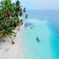 Private Room in San Blas Islands PLUS meals, hotel en Waisalatupo