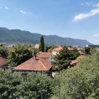 Mountain view apartment, хотел във Враца
