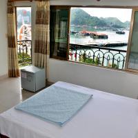 Private Balcony Hotel, hotel in Cat Ba